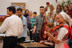 Multinacionalni orkestar